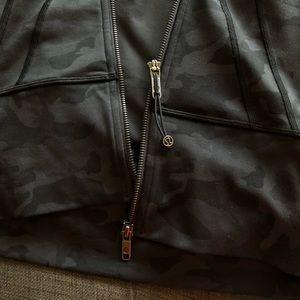 lululemon athletica Jackets & Coats - Lululemon Women's In Stride Jacket Size 6 NWT